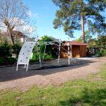 Školní družina ZŠ Na Ostrově – Větvičkova vila v ul. Na Ptákách se konečně dočkala dětského hřiště