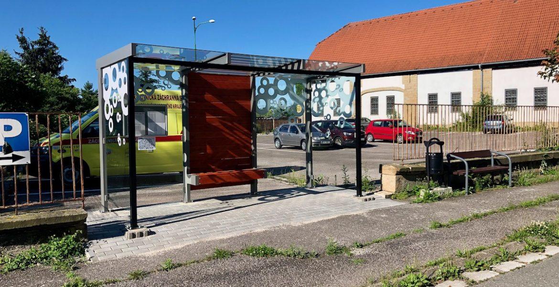 Obnova autobusových zastávek v ul. Národní a Rudé armády