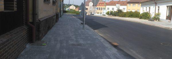 Chodníky a veřejné osvětlení ul. Jaromírova